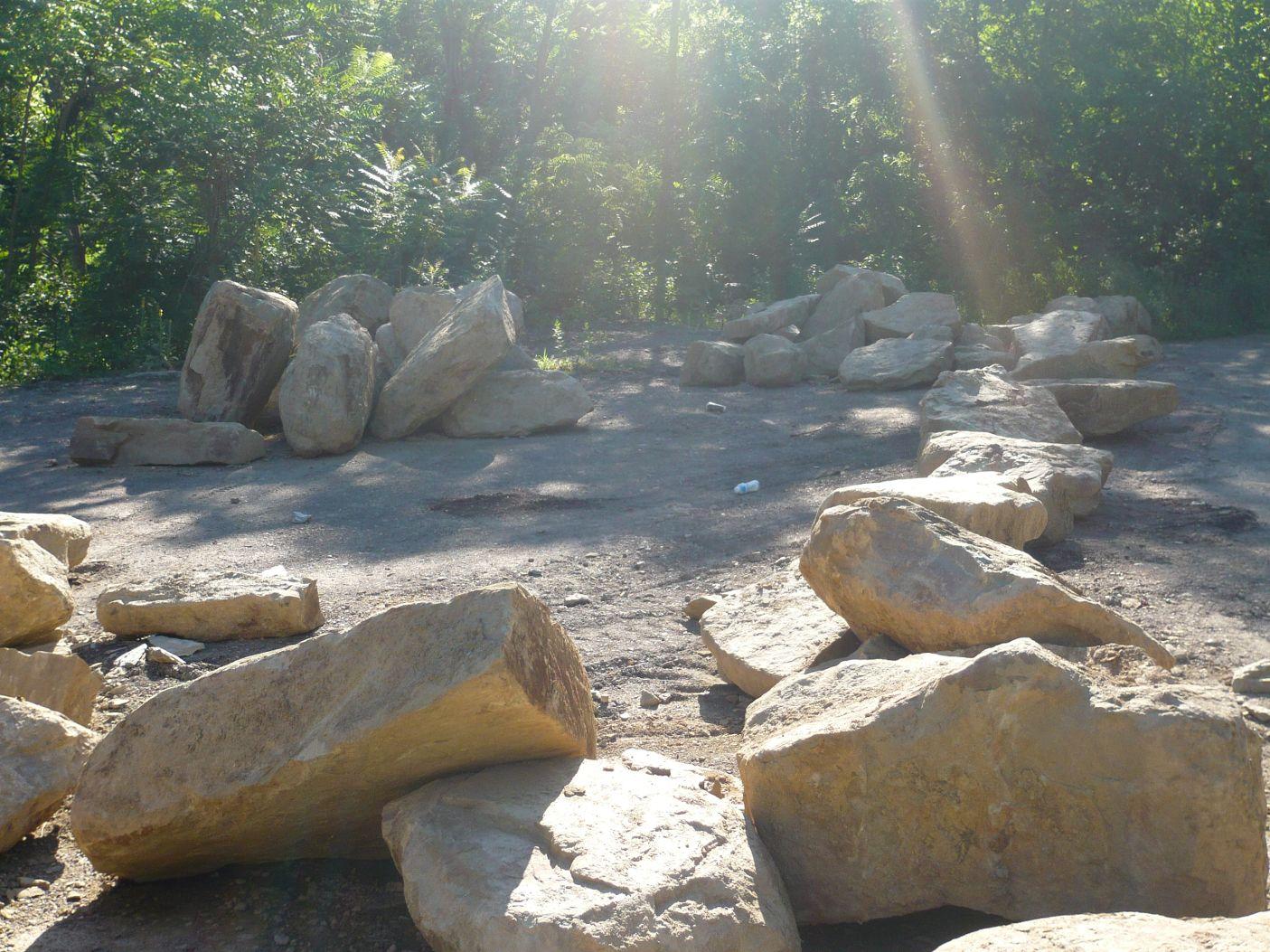 Large landscaping boulders for Large landscape boulders