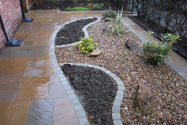 3 grey river gravel for Decorative landscaping rocks